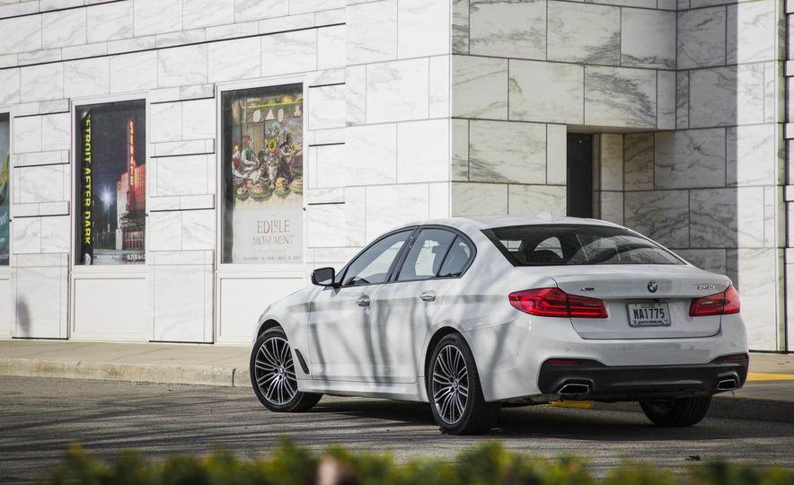 2017 BMW 540i xDrive - Slide 15