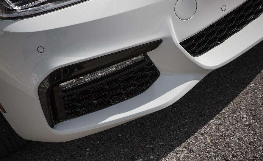 2017 BMW 540i xDrive - Slide 20