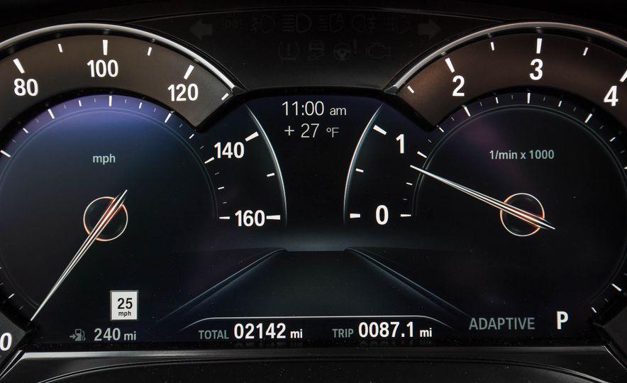 2017 BMW 540i xDrive - Slide 49