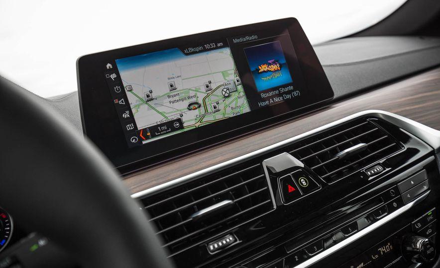 2017 BMW 540i xDrive - Slide 50