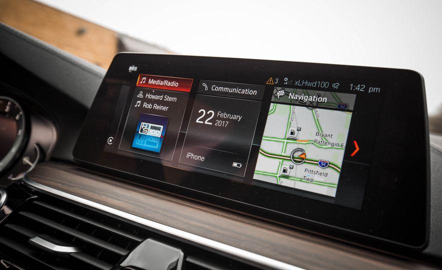 2017 BMW 540i xDrive - Slide 52