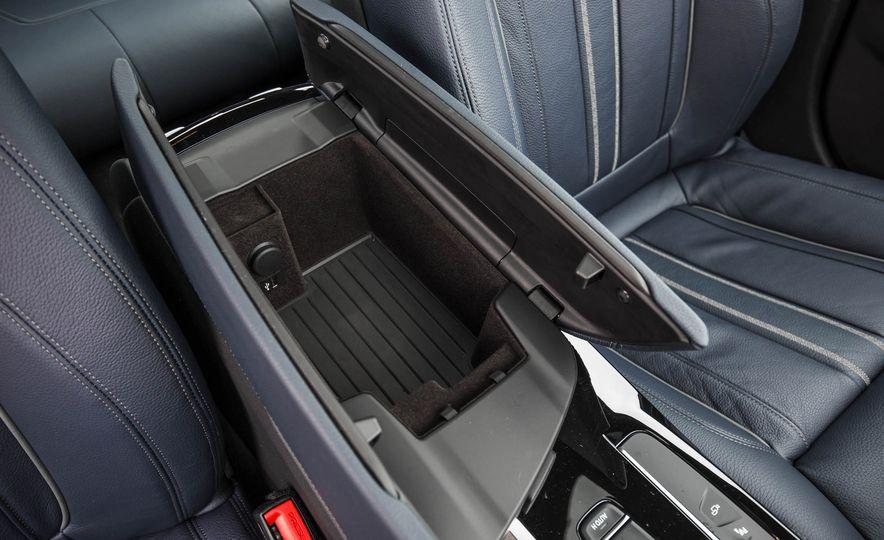 2017 BMW 540i xDrive - Slide 64