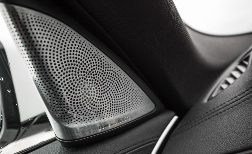 2017 BMW 540i xDrive - Slide 66