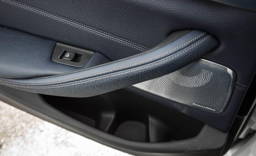2017 BMW 540i xDrive - Slide 71