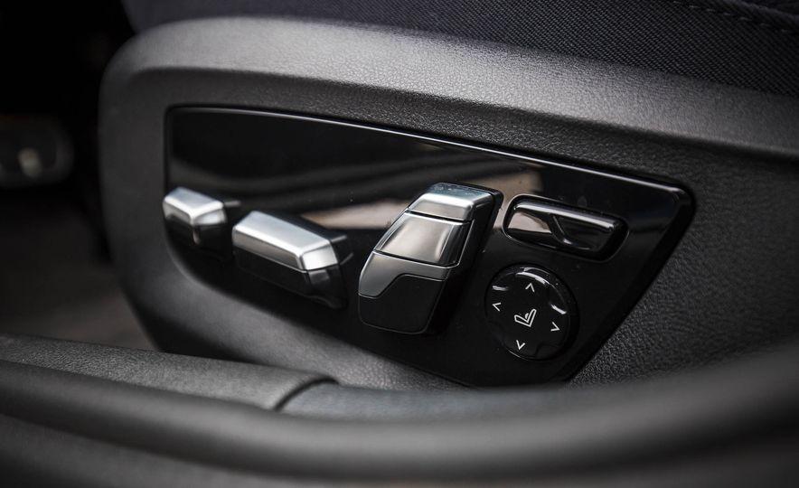 2017 BMW 540i xDrive - Slide 76