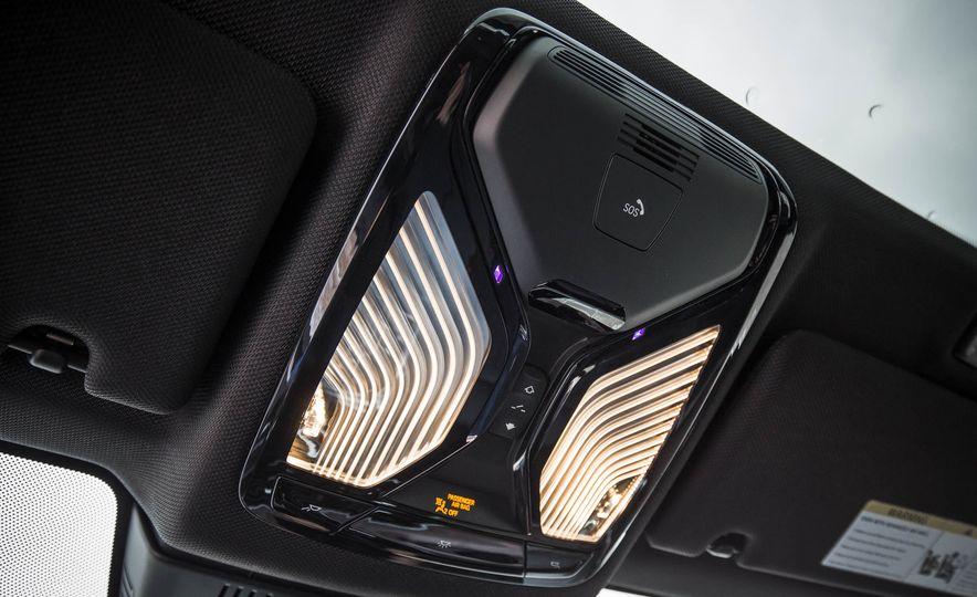 2017 BMW 540i xDrive - Slide 77