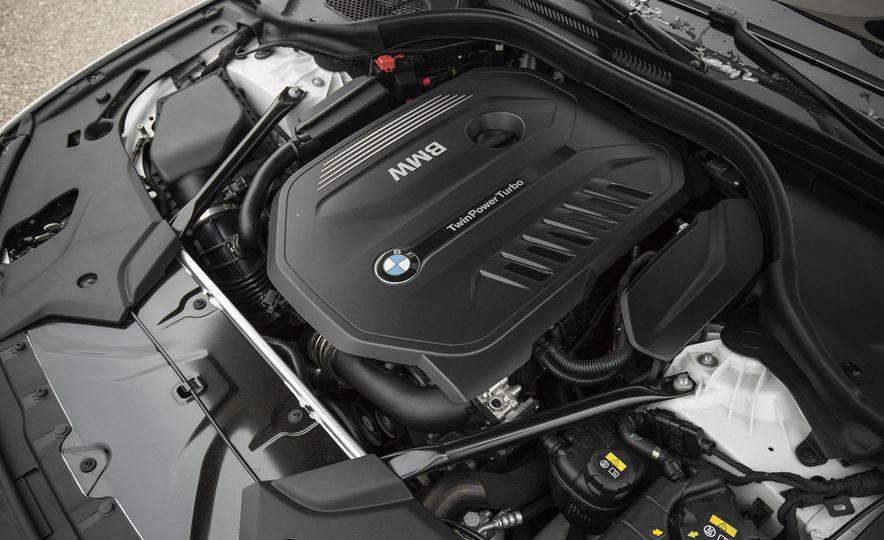 2017 BMW 540i xDrive - Slide 85