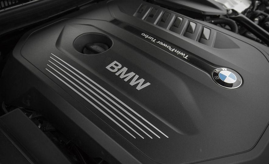 2017 BMW 540i xDrive - Slide 86