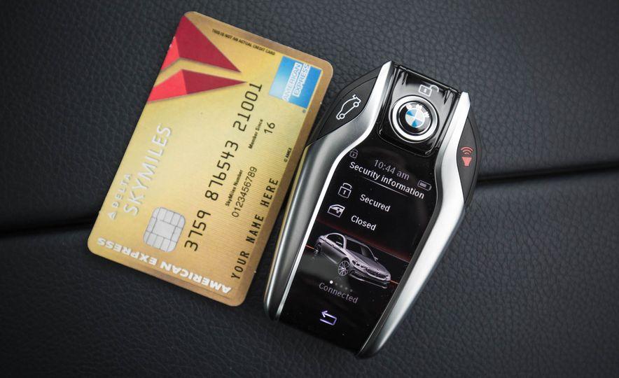 2017 BMW 540i xDrive - Slide 87