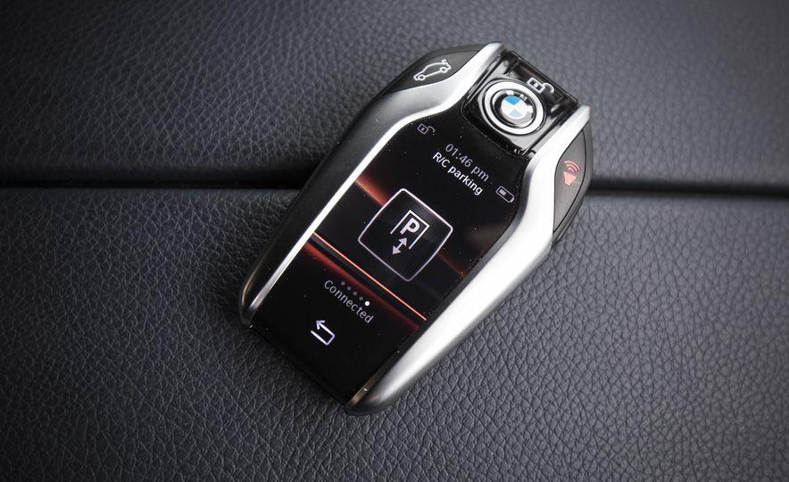 2017 BMW 540i xDrive - Slide 88