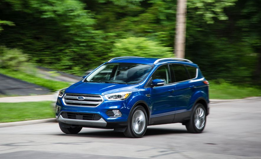 2017 Ford Escape – In-Depth Review - Slide 5