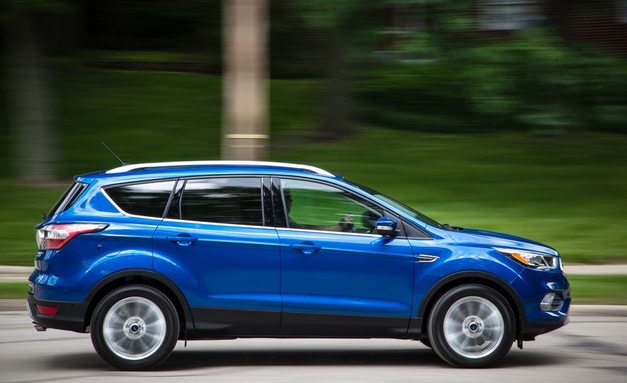 2017 Ford Escape – In-Depth Review - Slide 8