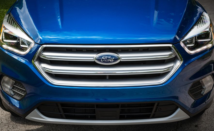 2017 Ford Escape – In-Depth Review - Slide 18