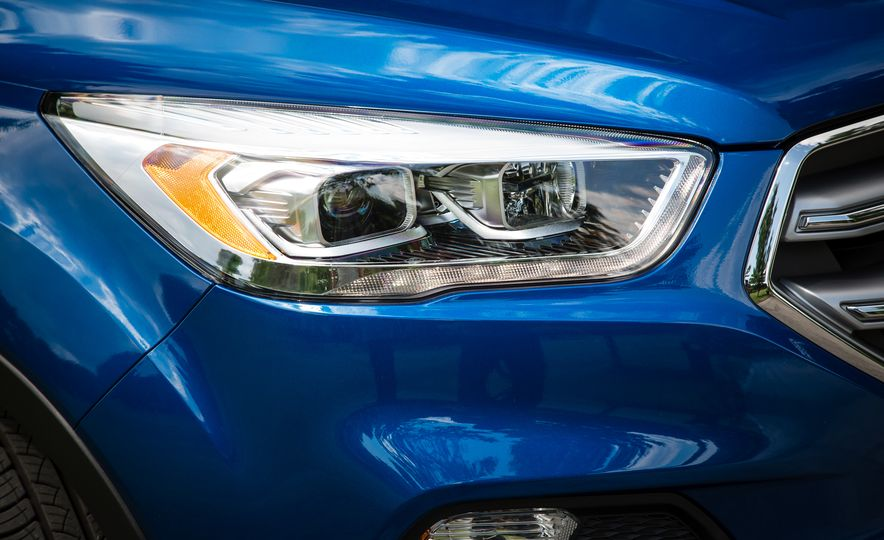 2017 Ford Escape – In-Depth Review - Slide 21