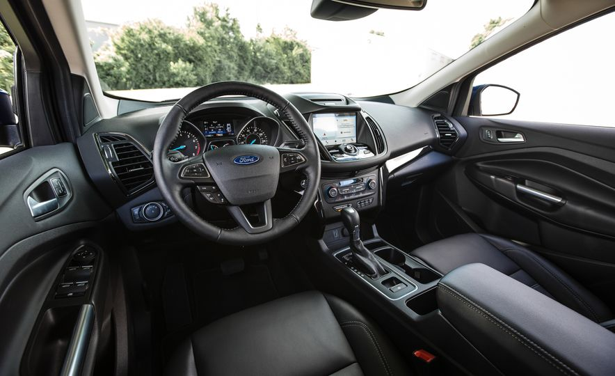 2017 Ford Escape – In-Depth Review - Slide 27