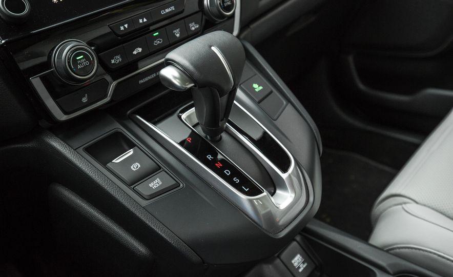 2017 Honda CR-V – In-Depth Review - Slide 40