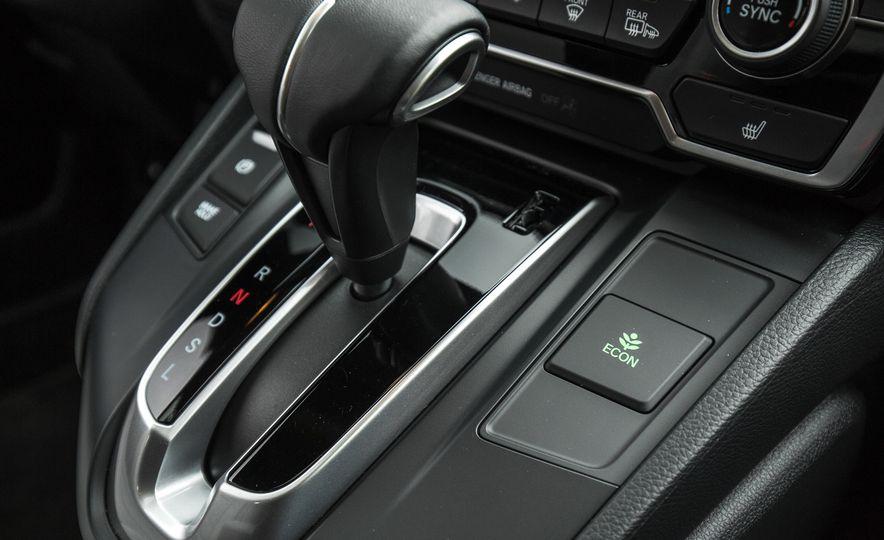 2017 Honda CR-V – In-Depth Review - Slide 41