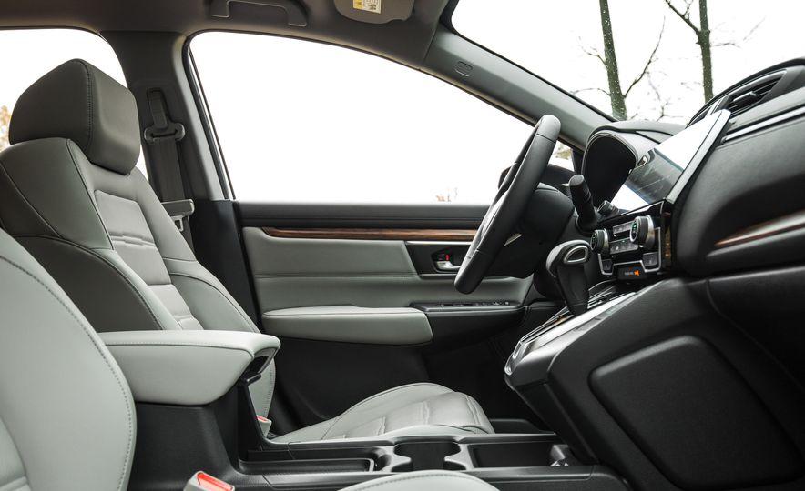 2017 Honda CR-V – In-Depth Review - Slide 21
