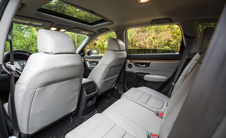 2017 Honda CR-V – In-Depth Review - Slide 24