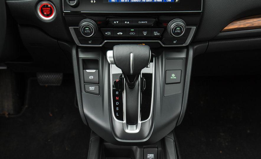 2017 Honda CR-V – In-Depth Review - Slide 39