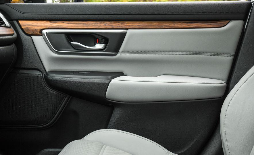 2017 Honda CR-V – In-Depth Review - Slide 29