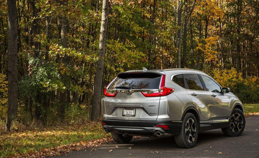2017 Honda CR-V – In-Depth Review - Slide 5