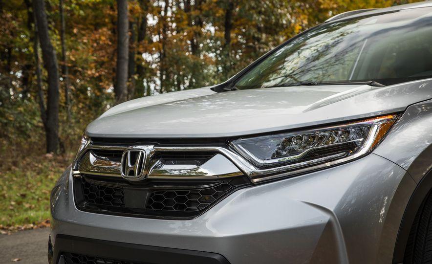 2017 Honda CR-V – In-Depth Review - Slide 7