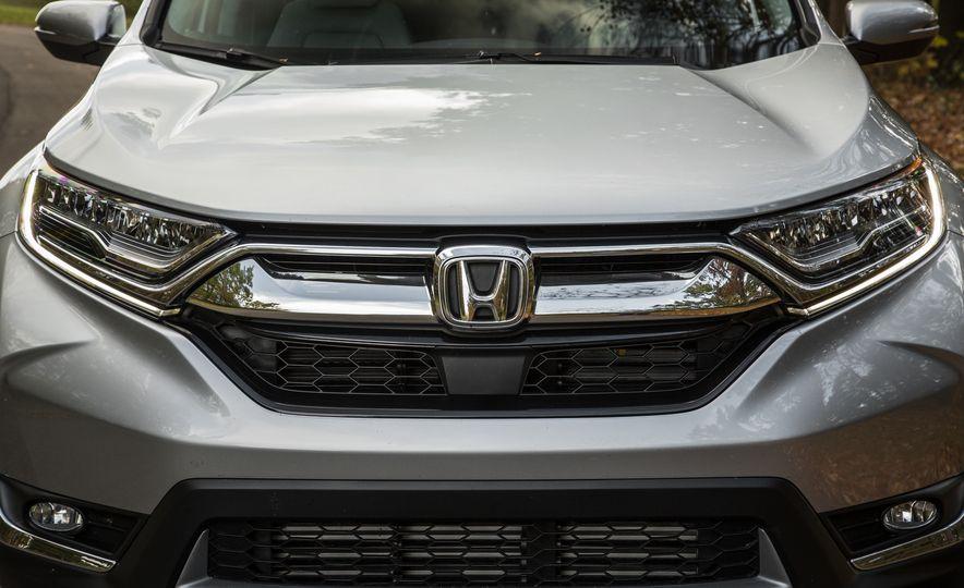 2017 Honda CR-V – In-Depth Review - Slide 8