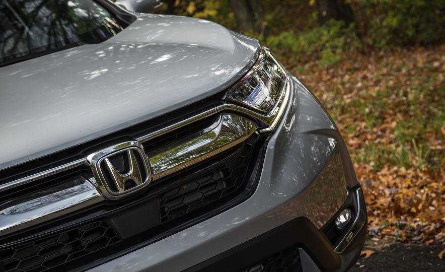 2017 Honda CR-V – In-Depth Review - Slide 11