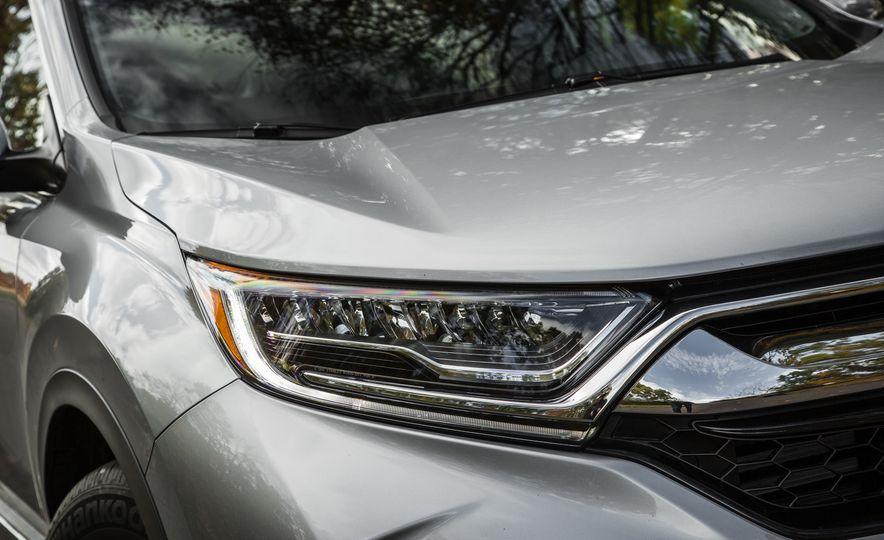 2017 Honda CR-V – In-Depth Review - Slide 9
