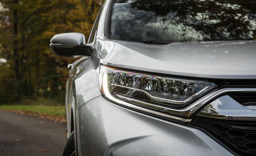 2017 Honda CR-V – In-Depth Review - Slide 10
