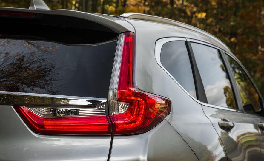 2017 Honda CR-V – In-Depth Review - Slide 13