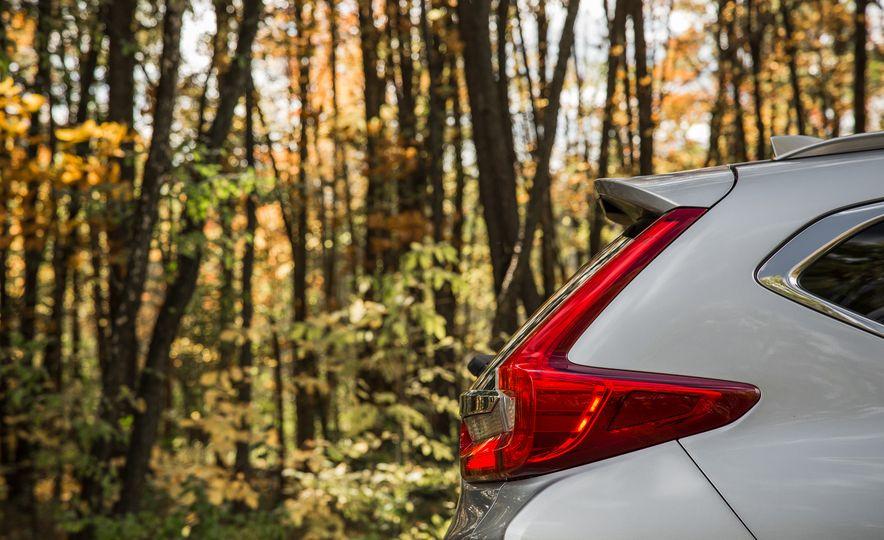 2017 Honda CR-V – In-Depth Review - Slide 15