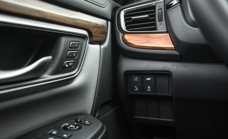2017 Honda CR-V – In-Depth Review - Slide 35