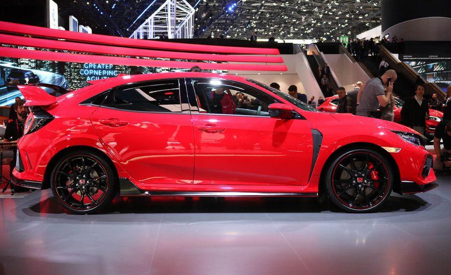 2017 Honda Civic Type R - Slide 3