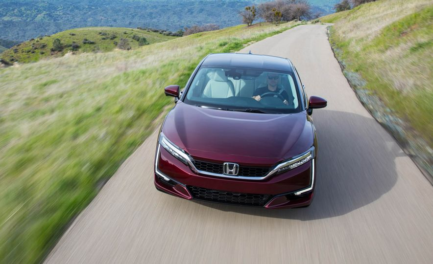 2017 Honda Clarity - Slide 1