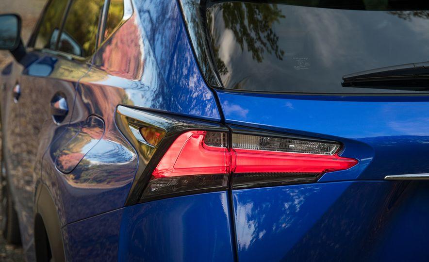 2017 Lexus NX200t F Sport - Slide 25