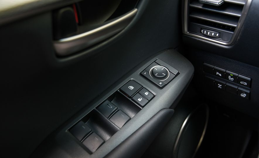 2017 Lexus NX200t F Sport - Slide 74