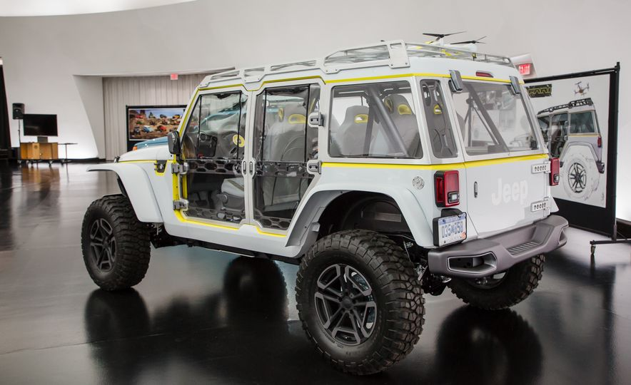 Jeep's New Concepts Include a Bitchin' Rat Rod, a Safari-Ready Wrangler, and . . . a 1993 Grand Cherokee? - Slide 33