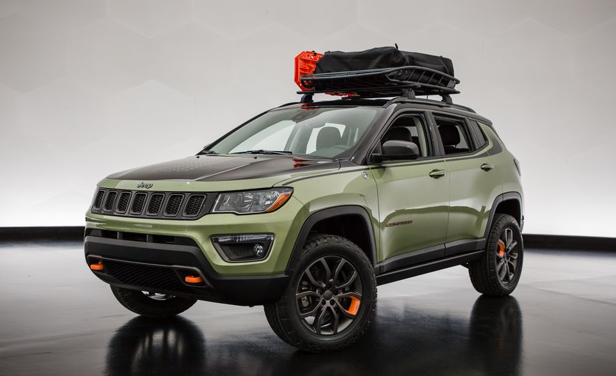 Jeep's New Concepts Include a Bitchin' Rat Rod, a Safari-Ready Wrangler, and . . . a 1993 Grand Cherokee? - Slide 22