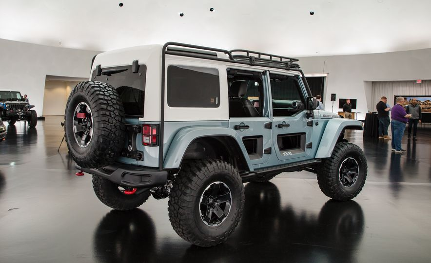 Jeep's New Concepts Include a Bitchin' Rat Rod, a Safari-Ready Wrangler, and . . . a 1993 Grand Cherokee? - Slide 28