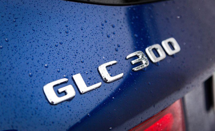 2017 Mercedes-Benz GLC300 4MATIC - Slide 17