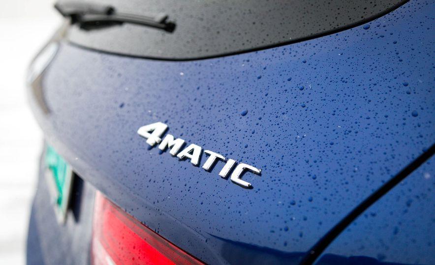 2017 Mercedes-Benz GLC300 4MATIC - Slide 18