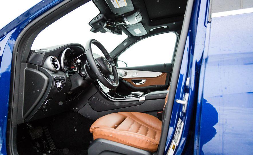 2017 Mercedes-Benz GLC300 4MATIC - Slide 19