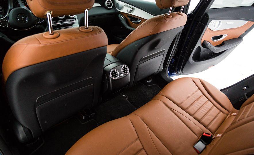 2017 Mercedes-Benz GLC300 4MATIC - Slide 22
