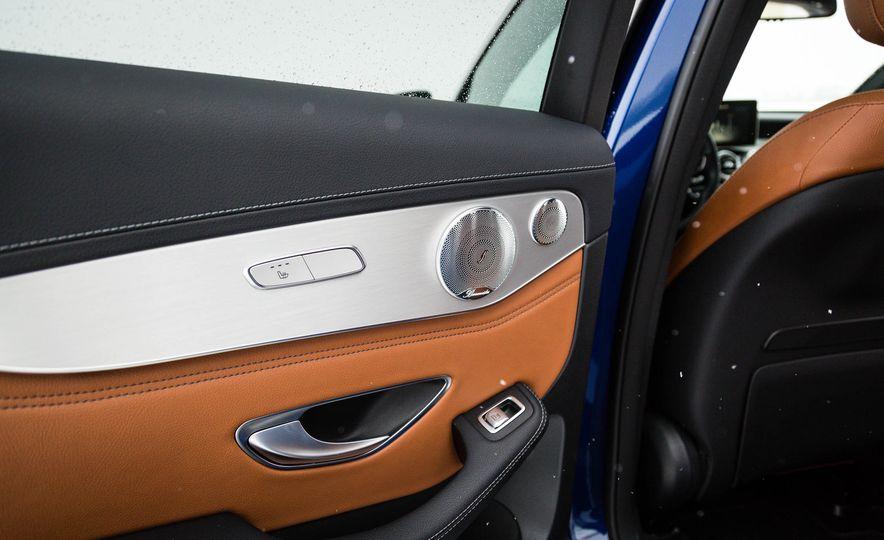 2017 Mercedes-Benz GLC300 4MATIC - Slide 25