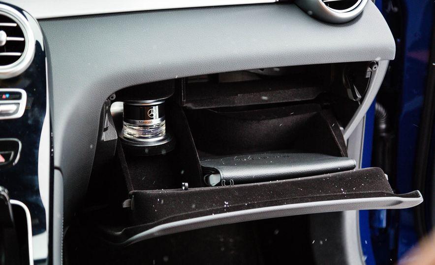 2017 Mercedes-Benz GLC300 4MATIC - Slide 36