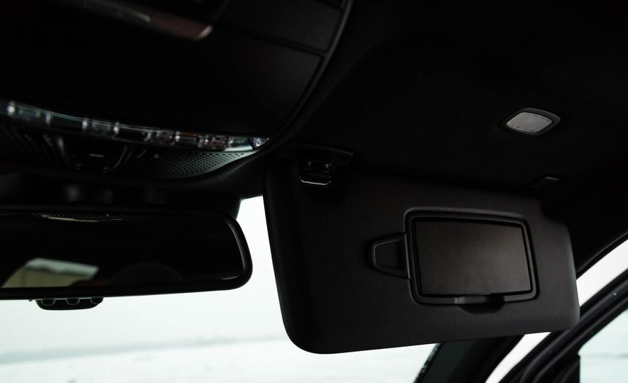 2017 Mercedes-Benz GLC300 4MATIC - Slide 38