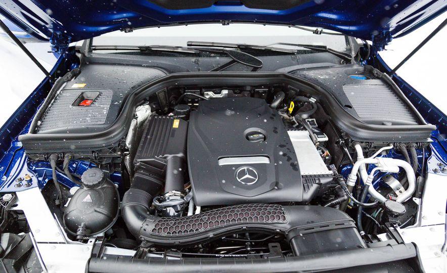 2017 Mercedes-Benz GLC300 4MATIC - Slide 43