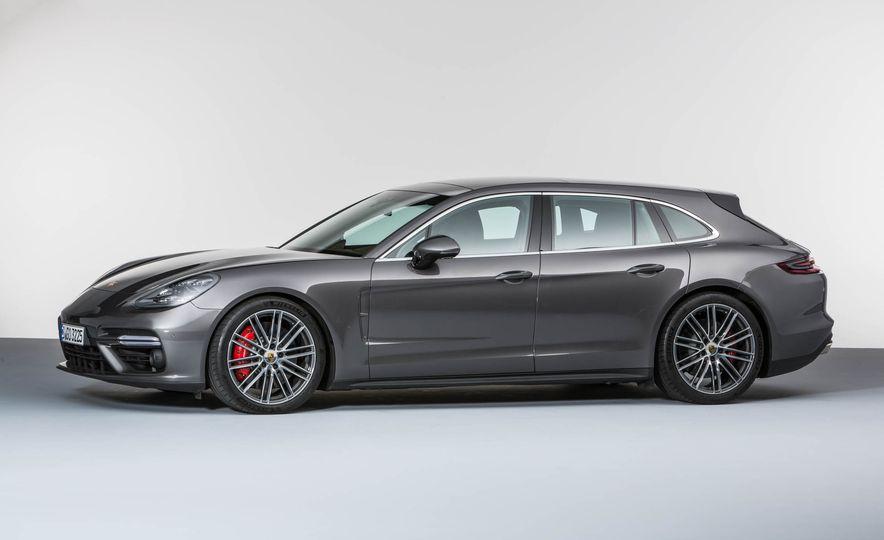 2018 Porsche Panamera Sport Turismo - Slide 19
